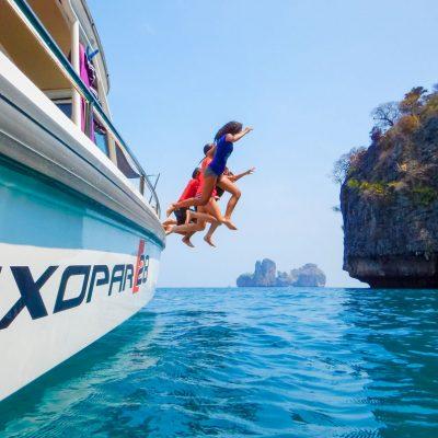Axopar-28-T-top-gallery-Phi-Phi