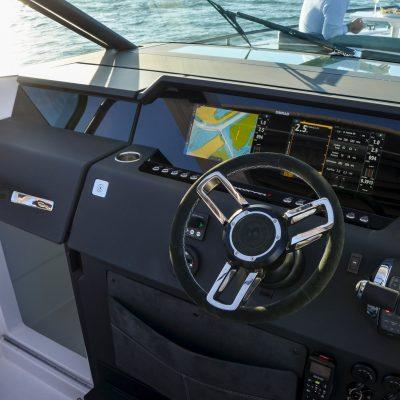 Axopar-37-Spyder-gallery-Trade-a-Boat-2020-Axopar-1__ScaleHeightWzIxNjBd